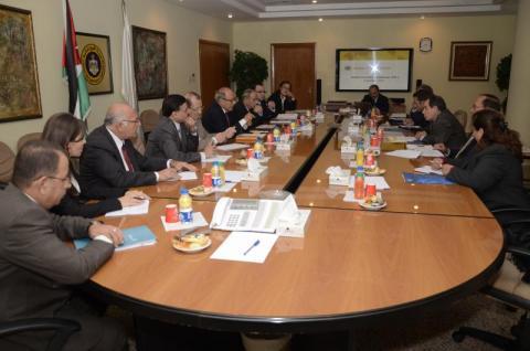 السفير الأميركي يزور مؤسسات سوق رأس المال الأردني